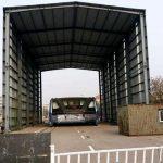 Le bus du futur chinois est abandonné dans un hangar