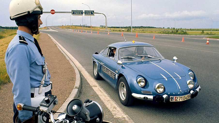 renault-alpine-police-france