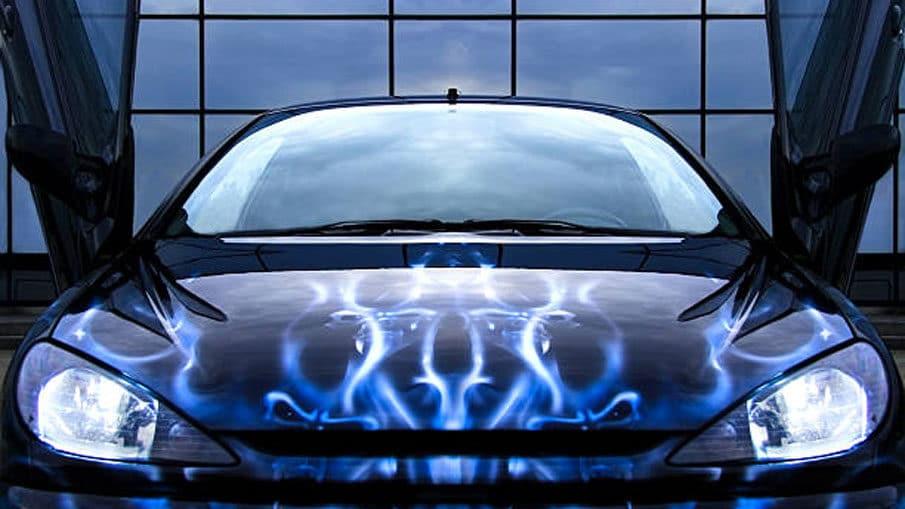 peinture-aerographe-flamme-voiture