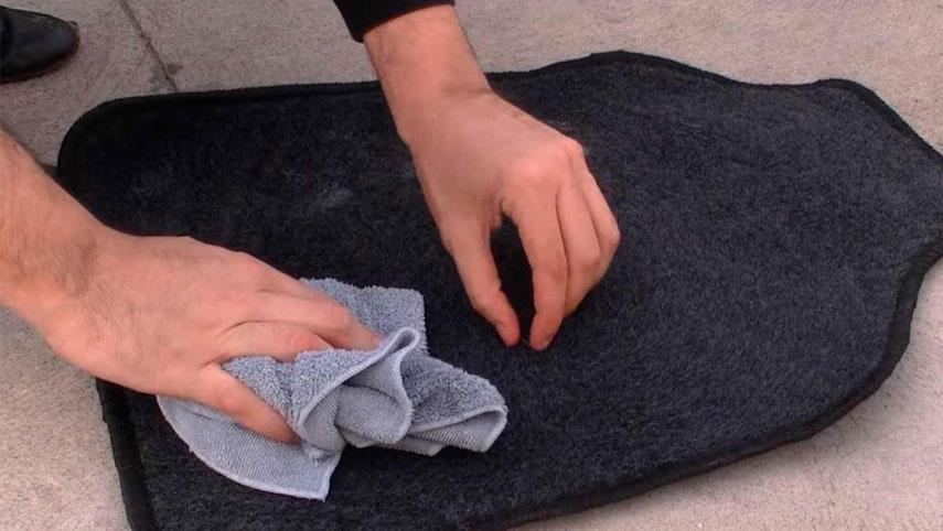 sechage-tapis-voiture-apres-lavage