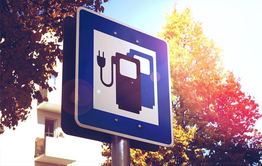 panneau-recharge-voiture-electrique