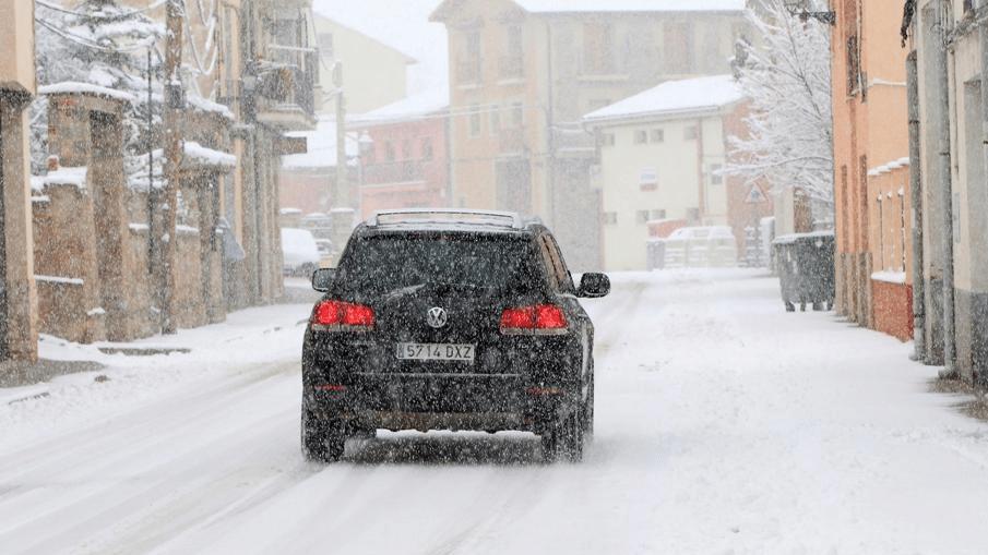 12-conseils-conduite-neige-verglas